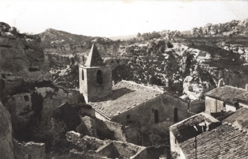 medium_les_baux_village.jpg